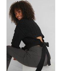 na-kd reborn kabelstickad tröja med öppen rygg - black