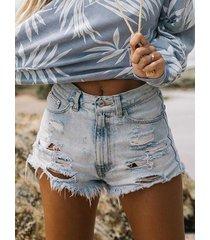 pantalones cortos azules con detalles rasgados al azar con borlas