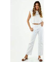 jean de mujer, silueta amplia de bota recta, color blanco