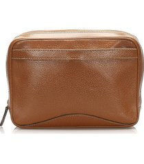 gucci leather pouch brown sz: m