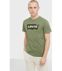 levis housemark graphic tee hm ssnl t-shirts & linnen green