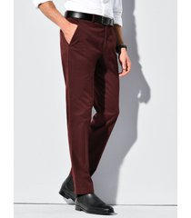 broek model fairfax van hiltl rood