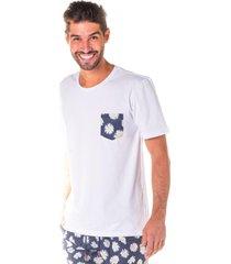 camiseta masculina branca c/ bolso frontal estampa bem me quer - area verde - multicolorido - masculino - dafiti