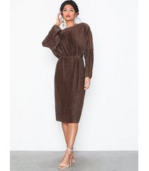 nly eve pleated balloon sleeve dress loose fit
