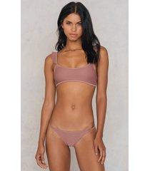 na-kd swimwear thin strap structured briefs - pink