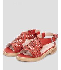 sandalia roja heyas mucho