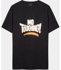 camisa negro-blanco-naranja seven seven