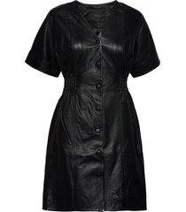 yassiri ss leather dress knälång klänning svart yas