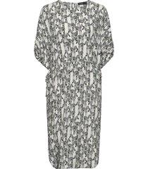 slserras dress ss knälång klänning multi/mönstrad soaked in luxury
