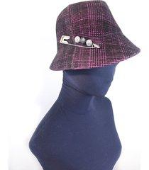 sombrero violeta almacén de parís