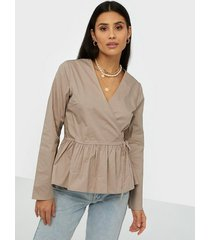 nly trend wrap cargo blouse vardagsblusar