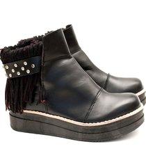 botineta de cuero negro valentia calzados clara