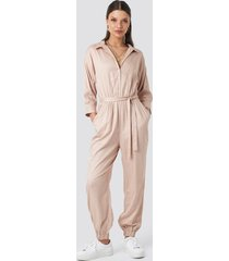 schanna x na-kd comfy jumpsuit - pink