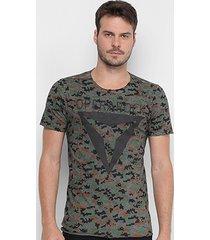 camiseta opera rock camuflada masculina