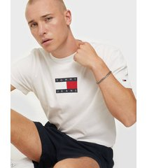 tommy jeans tjm small flag tee t-shirts & linnen white