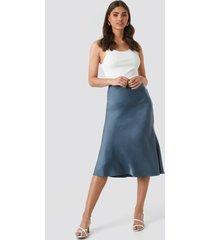 na-kd classic satin skirt - blue