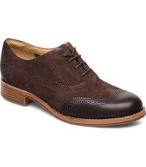 claremont brouge snörade skor låga brun sebago