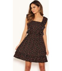 ax paris women's ditsy floral square neck frill dress