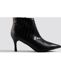 na-kd shoes slanted pointy ankle boots - black
