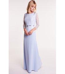 długa błękitna sukienka z koronką