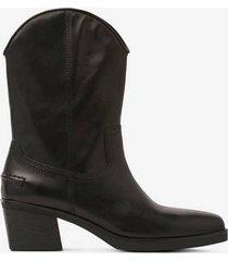boots simone