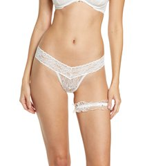 monique lhuillier x hanky panky cherie low rise thong & garter set, size large in off white at nordstrom