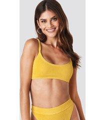 gerda x na-kd crop smocked bikini top - yellow