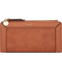 billetera organizer clare nine west para mujer café