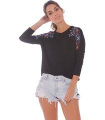 blusa con estampado floral para mujer x49430