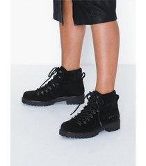 svea chris boots flat boots