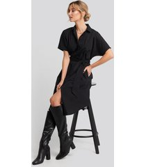 na-kd belted short sleeve shirt dress - black
