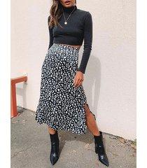 falda evasé de cintura alta con dobladillo con aberturas de leopardo