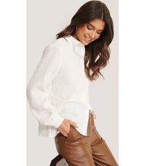 basma & merna x na-kd skjorta med textur - white