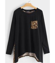 bolsillos laterales negros leopardo redondo cuello camiseta con dobladillo irregular y mangas largas