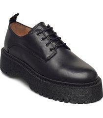 command derby shoe snörade skor låga svart royal republiq