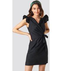 na-kd boho draped flounce sleeve mini dress - black