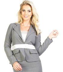 blazer alfaiataria bolsos botão na manga detalhe em couro 100% viscose lume feminino
