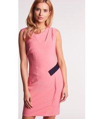 różowa sukienka ołówkowa