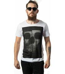 camiseta estonada skull lab skull mirror