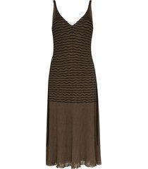 stripped v-neck midi dress