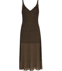 stripped v-neck midi dress