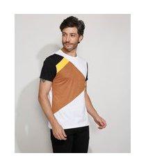 camiseta masculina slim manga curta com recortes e suede gola careca branca