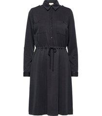 isabella dress knälång klänning svart minus