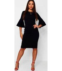 midi jurk met driekwarts engelenmouwen en crewneck, black