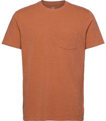 pocket t-shirt t-shirts short-sleeved röd gap
