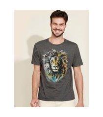 camiseta masculina leão aquarela manga curta gola careca cinza mescla escuro