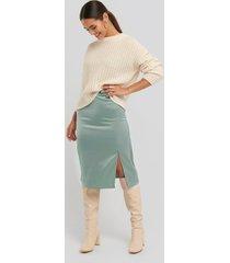 na-kd trend front slit satin skirt - green