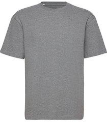 slhloosegilman220 ss o-neck tee s t-shirts short-sleeved grå selected homme