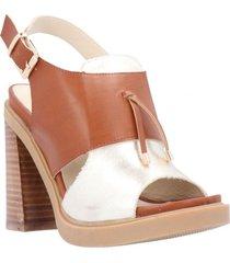 sandalia alkira cognac/ dorado we love shoes