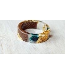 pierścionek z drewna i żywicy złota rosa